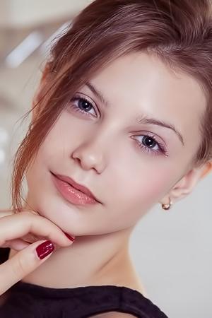 Emma Sweet - Etalde