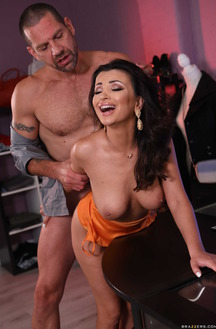 Alyssia Kent Today Need Of A Hard Cock