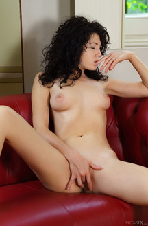 Gia Ren Spreads Her Hot Pink Lips And Dips A Finger Deep