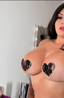 Moreaa Has Huge Fans And Breasts