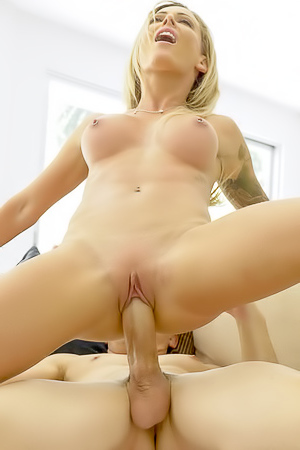 Deltore nude isabelle Babe Today