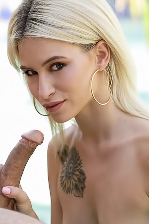 Kiara Cole Takes A Taste Of Big Cock